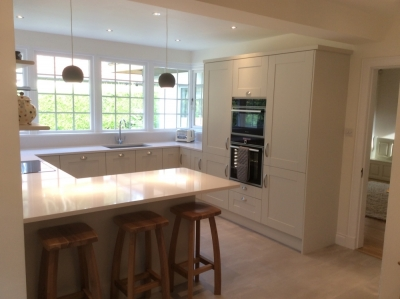 hand painted shaker kitchen1 1 400x299 - Homepage - Kitchen Showroom Kirkintilloch and Falkirk