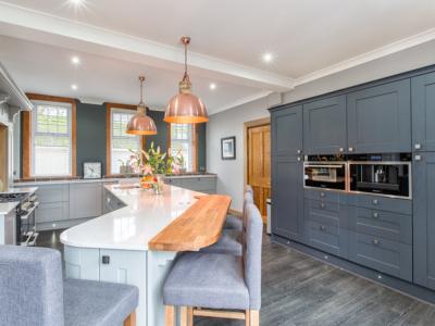 painted kitchen 2 400x300 - Homepage - Kitchen Showroom Kirkintilloch and Falkirk