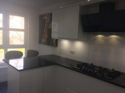 white gloss kitchen 5 400x300 - Homepage - Kitchen Showroom Kirkintilloch and Falkirk