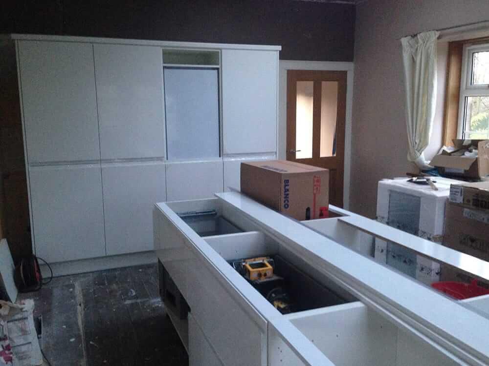 Kitchen Fitting 3 - Bruce McRaes New White Gloss Kitchen
