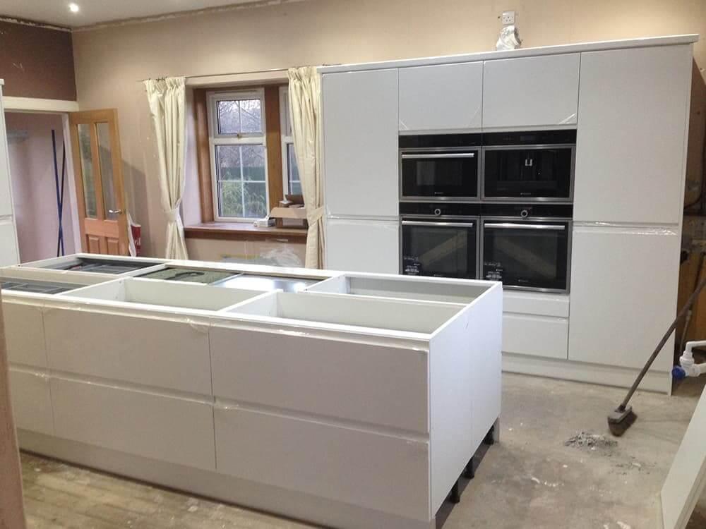 Kitchen Fitting 4 - Bruce McRaes New White Gloss Kitchen