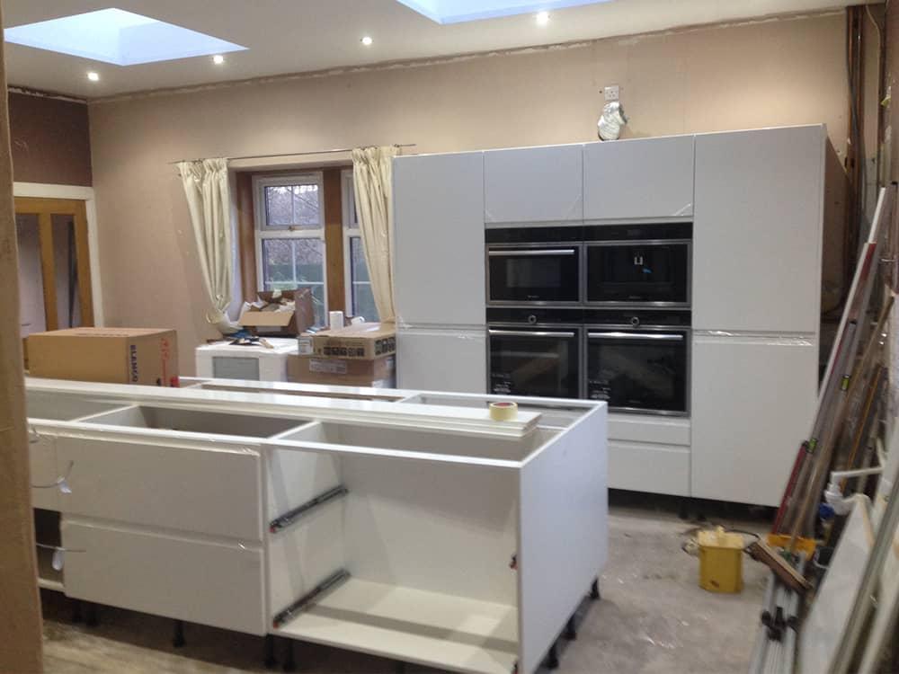 Kitchen Fitting 5 - Bruce McRaes New White Gloss Kitchen