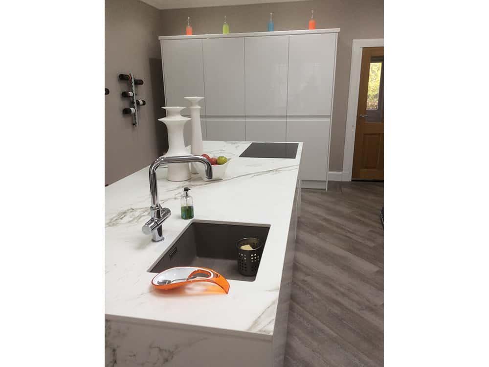 white gloss kitchen 12 - Bruce McRaes New White Gloss Kitchen