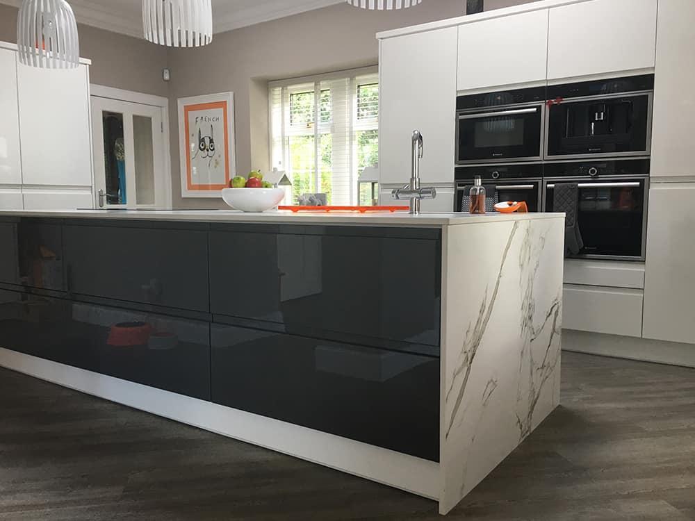 white gloss kitchen 2 - Bruce McRaes New White Gloss Kitchen