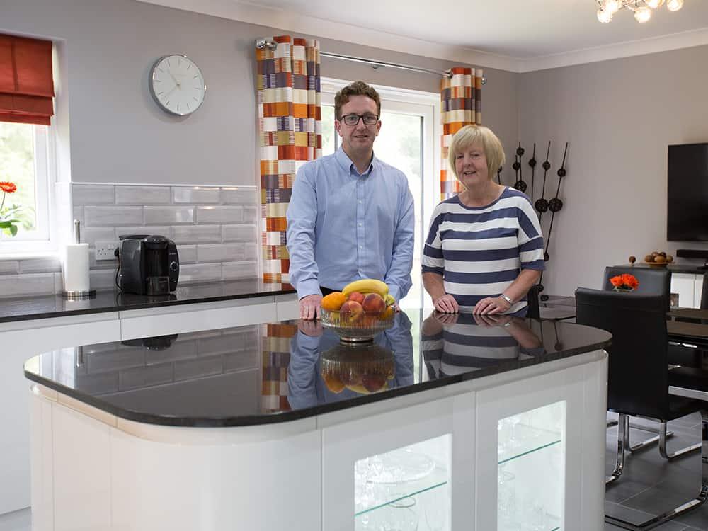 white gloss kitchen - Mr and Mrs Pollards White Gloss Kitchen