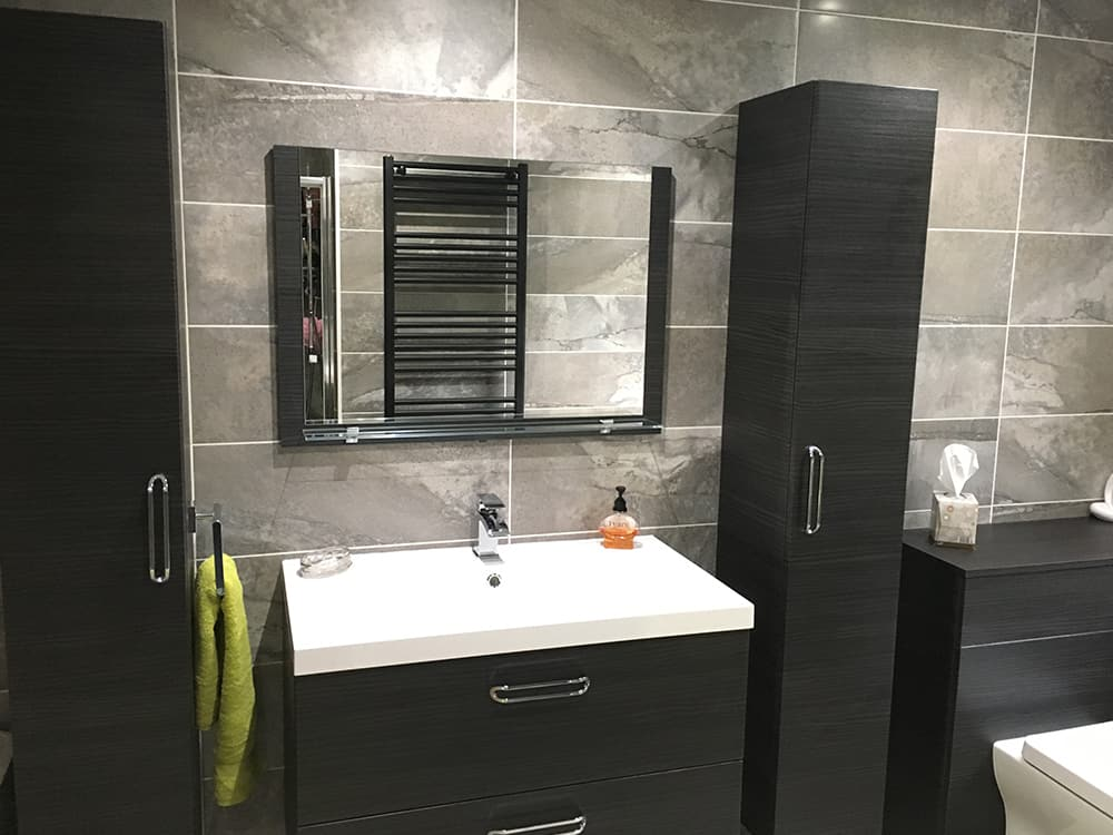 Bathroom With Dakota Gloss Grey With Feature Tile In