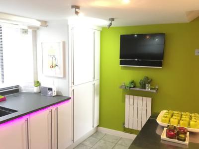 white gloss kitchen 9 400x300 - Homepage - Kitchen Showroom Kirkintilloch and Falkirk