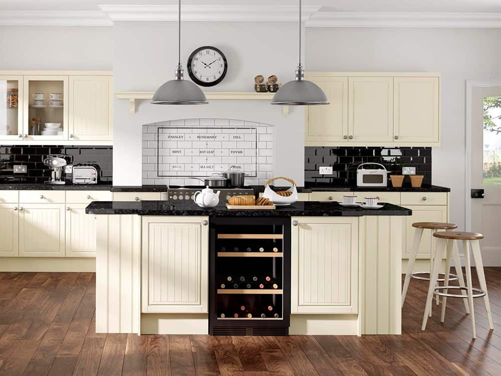 Celine Cream Kitchen Kirkintilloch Falkirk - Traditional Kitchens