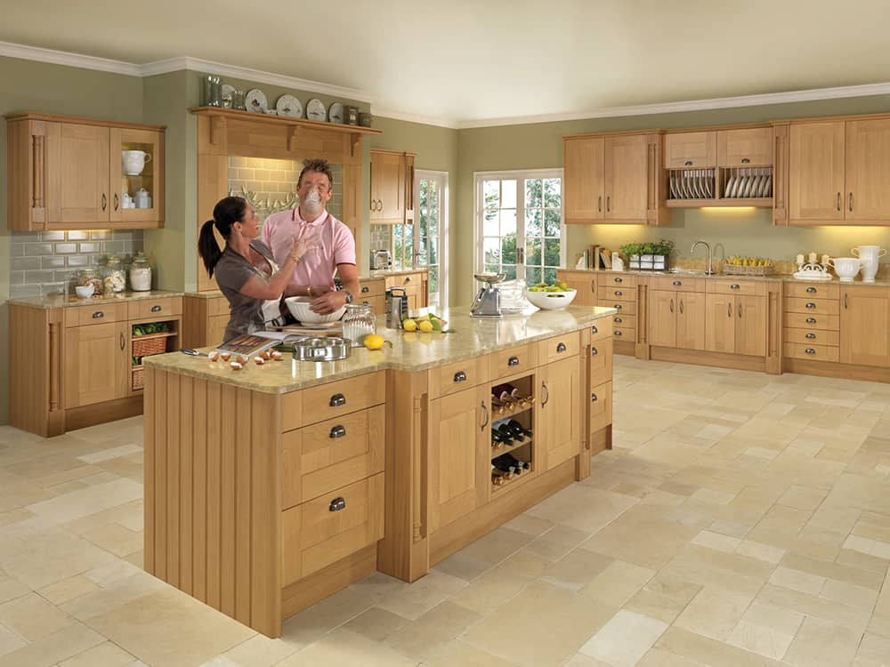 Pendle Oak Kitchen Kirkintilloch Falkirk - Traditional Kitchens