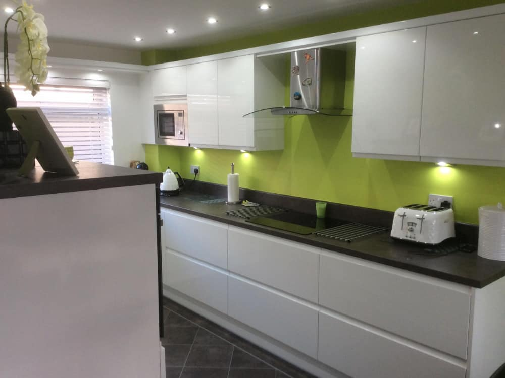 kitchen 2a 9 - White Handleless gloss kitchen