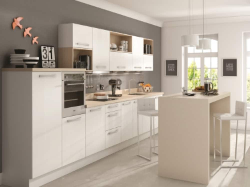 Metro White - Modern Kitchens