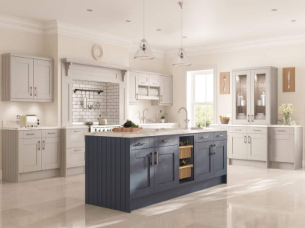 Pendle Bleached Stone with Midnight Blue - Traditional Kitchens