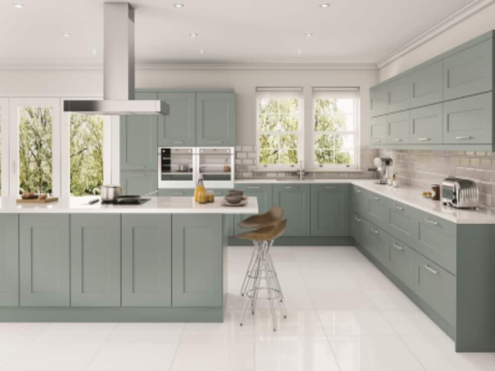 Solent Fjord - Traditional Kitchens