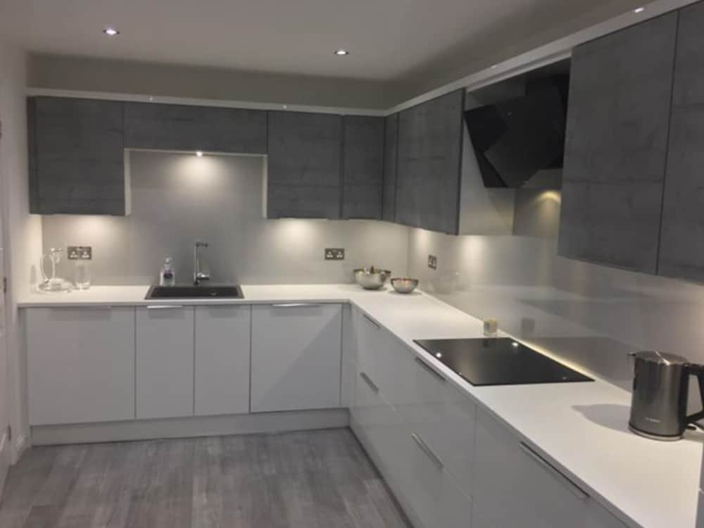 image 1 2 - Grey Gloss Kitchen Larbert