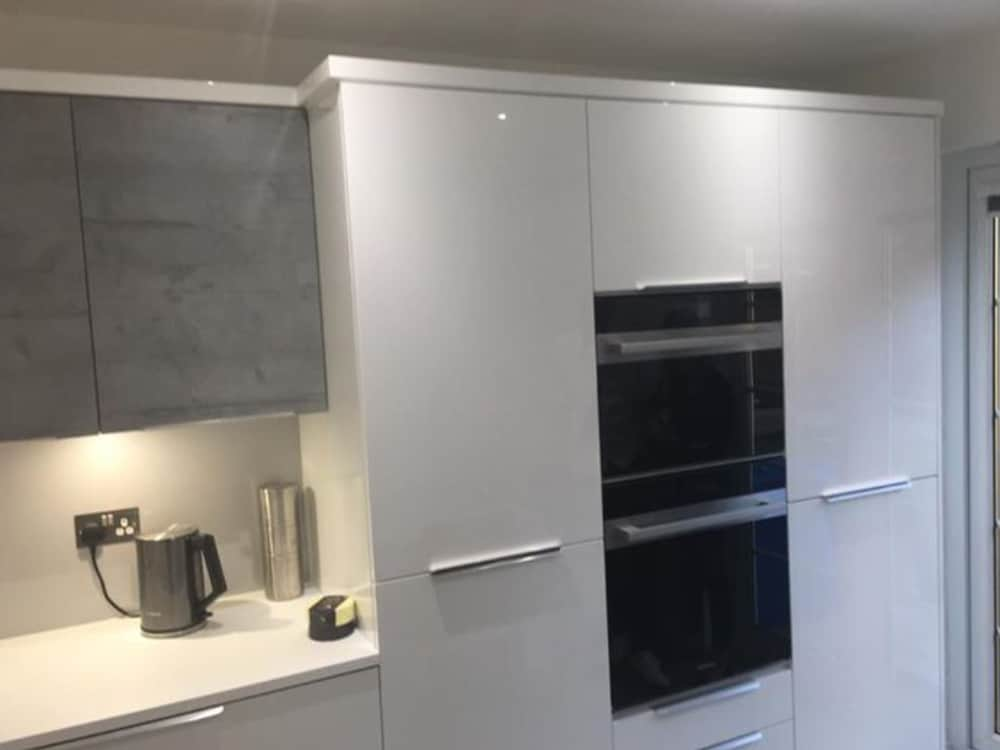 image 2 2 - Grey Gloss Kitchen Larbert