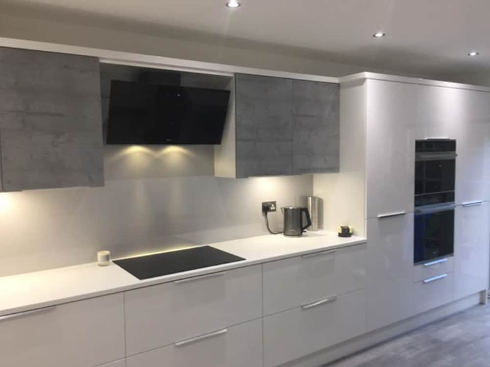 image 3 3 - Grey Gloss Kitchen Larbert
