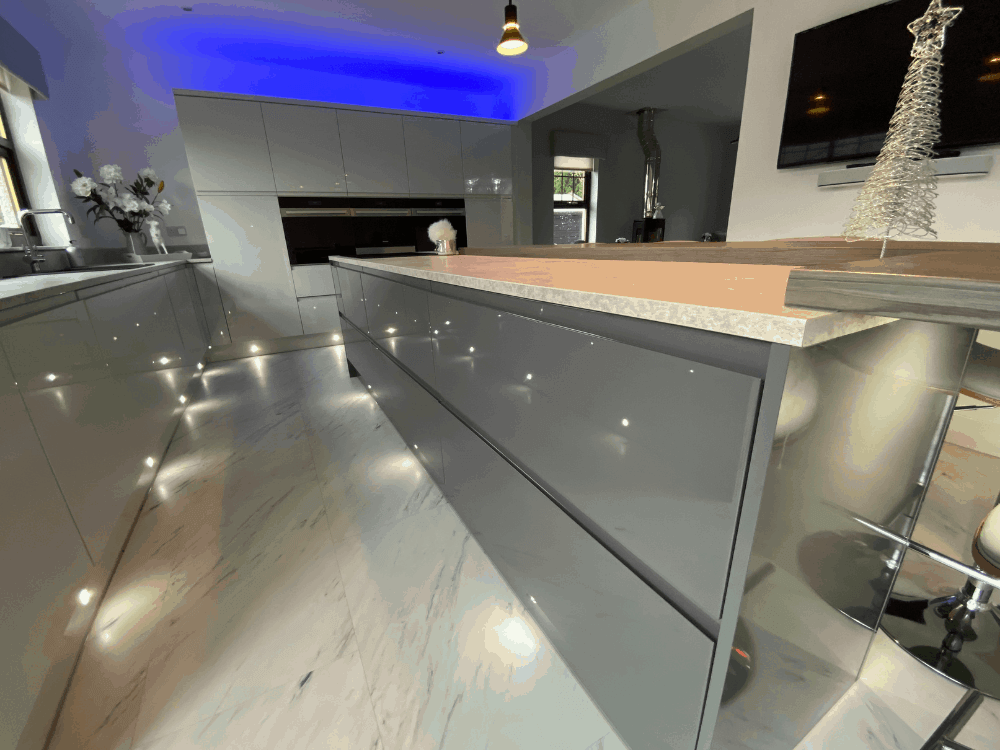 3 2 - Kitchen, bar and cloakroom project