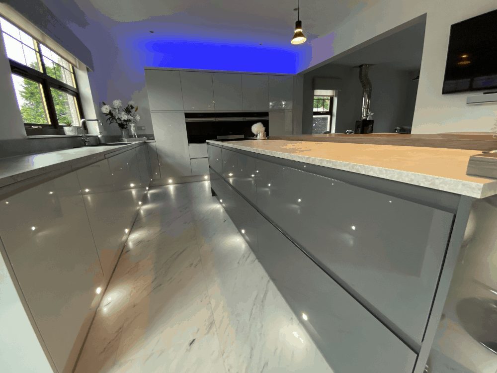 4 2 - Kitchen, bar and cloakroom project