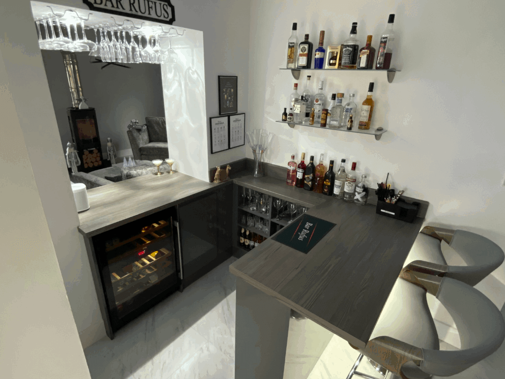 6 1 - Kitchen, bar and cloakroom project